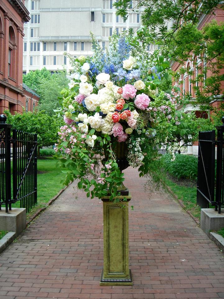 spring-urn-ceremony cambridge.jpg
