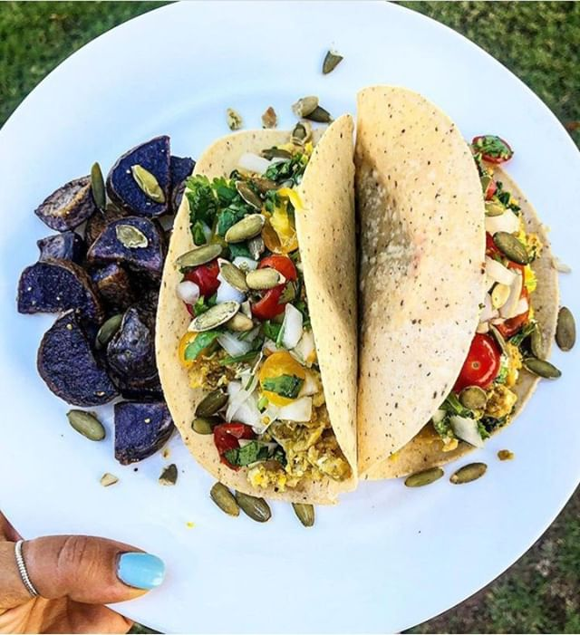 Hangry in the morning? Start your day off right with some delicious coconut flour breakfast tacos, filled with all your favorite breakfast flavors 🙌🌮.⁠ ⁠ Tell us... what's on your breakfast plate?⁠ ⁠ (📸: @megsorganica) #therealcoconut #coconutflour #allergyfriendly #glutenfree #grainfree #organic #tortillas #tacothursday #colorfulfood #huffposttaste