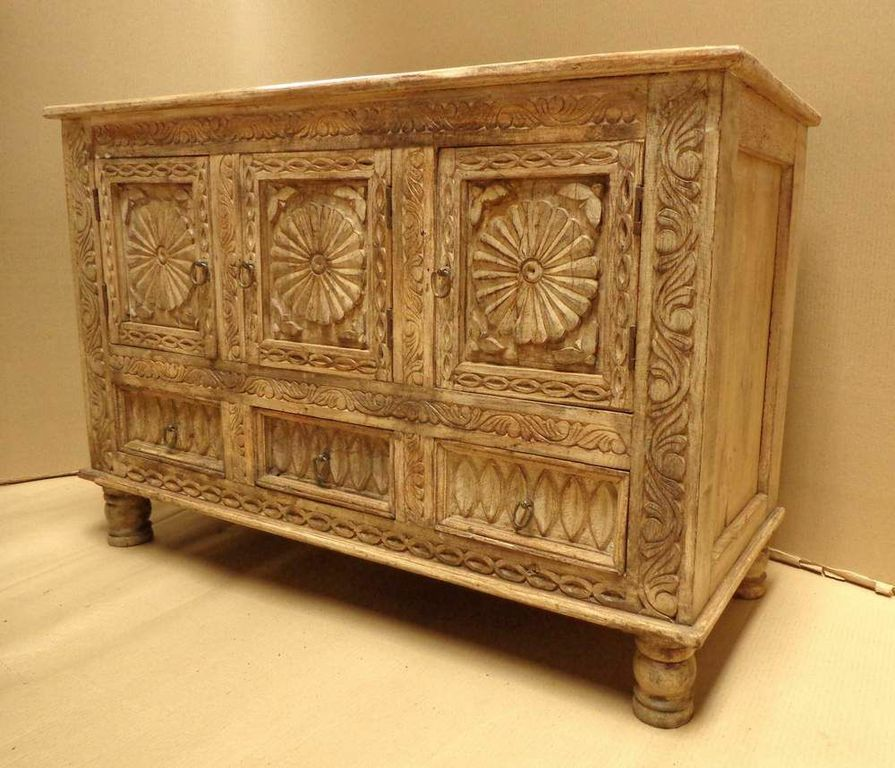 Carved Buffet Cabinet XMM032.jpg