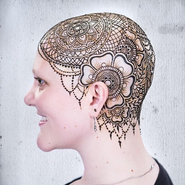 beth henna crown left