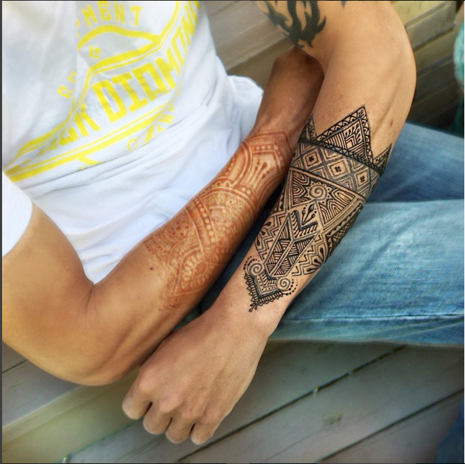 Geometric henna and jagua sleeves