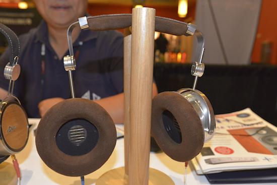 HAMT-1 headphones