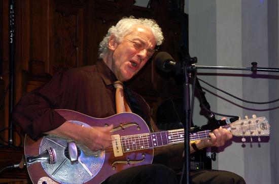 Blues master, Doug MacLeod.
