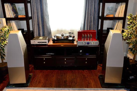 """Room 2 .  """"Better"""" / Middle of the Road Audiophile System:   VPI Prime with Gimbal 3D arm, Ortofon Quintet Bronze, VPI Voyager Phono, Roger's High Fidelity Integrated, Wilson Audio Sabrinas, Transparent Cable."""