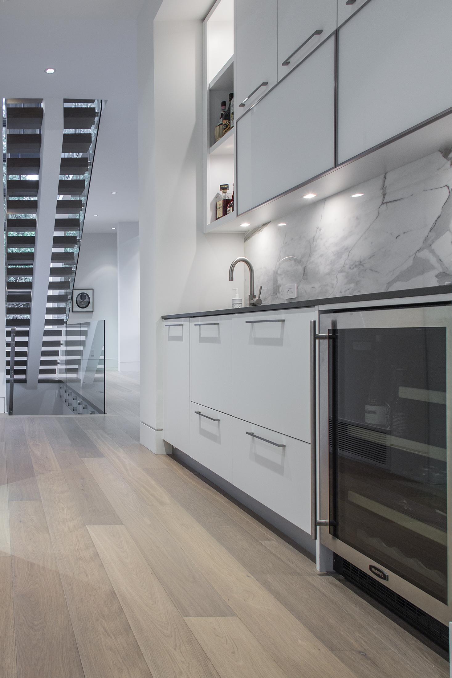 kitchen-bar1.jpg
