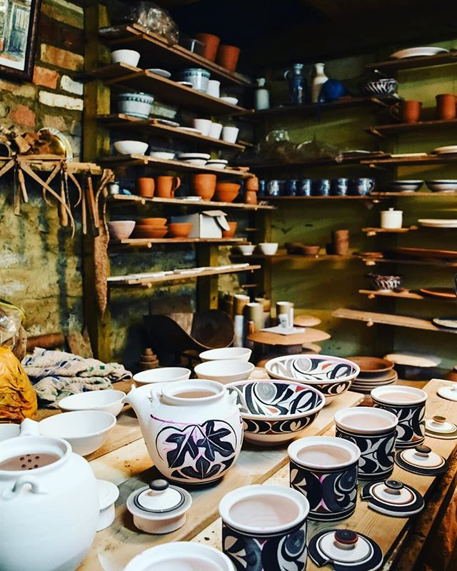 Yarnton Pottery workshop photos taken by laura White #goldenharegallery #yarntonpottery #andrewhazelden