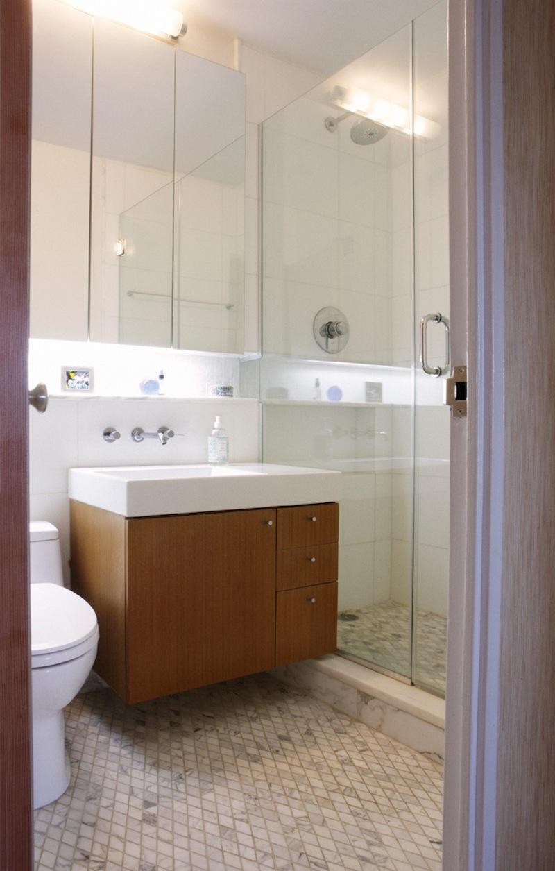 4 Bathroom.jpeg