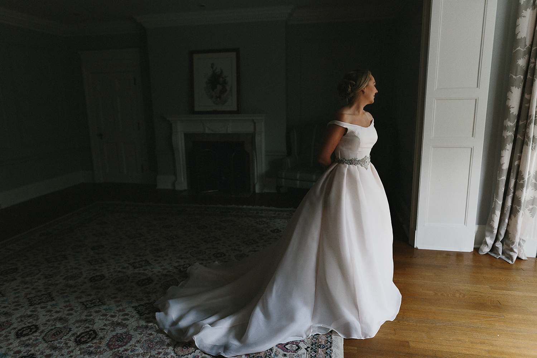 Graydon-Hall-Manor-Wedding-Toronto's-Best-Wedding-Photography-Ryanne-Hollies-Intimate-Small-Modern-Colourful-Wedding-Bride-Getting-Ready-Ferre-Sposa-Gown-bridal-portrait-elegant-vintage-modern-bride.jpg