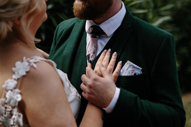 european-wedding-photographer-destination-wedding-photographer-from-toronto-ryanne-hollies-photography-documentary-editorial-style-toronto-wedding-photographer-bride-and-groom-portrait-candid-natural-artistic-details-floral-tie.jpg