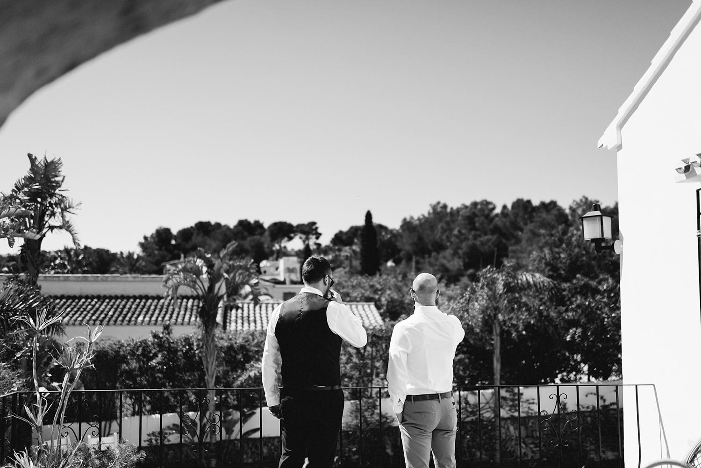 european-wedding-spanish-wedding-photographer-destination-wedding-photographer-from-toronto-ryanne-hollies-photography-valencia-villa-groom-getting-ready-details-groom-and-groomsmen-drinking.jpg