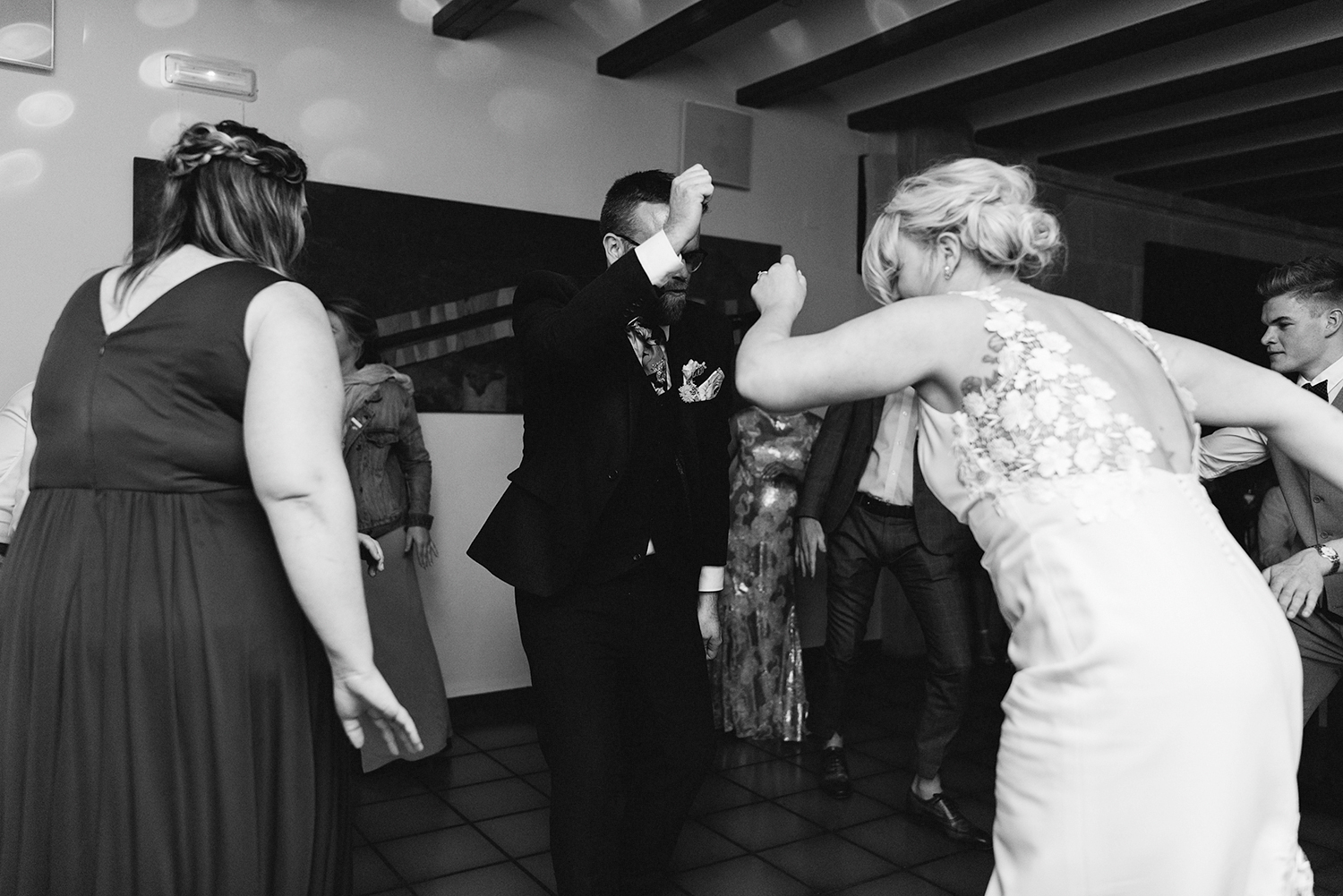 destination-wedding-photographer-from-toronto-ryanne-hollies-photography-documentary-editorial-style-toronto-wedding-photographer-junebug-weddings-reception-bride-and-groom-first-dance-goofy-candid-moments-hilarious.jpg