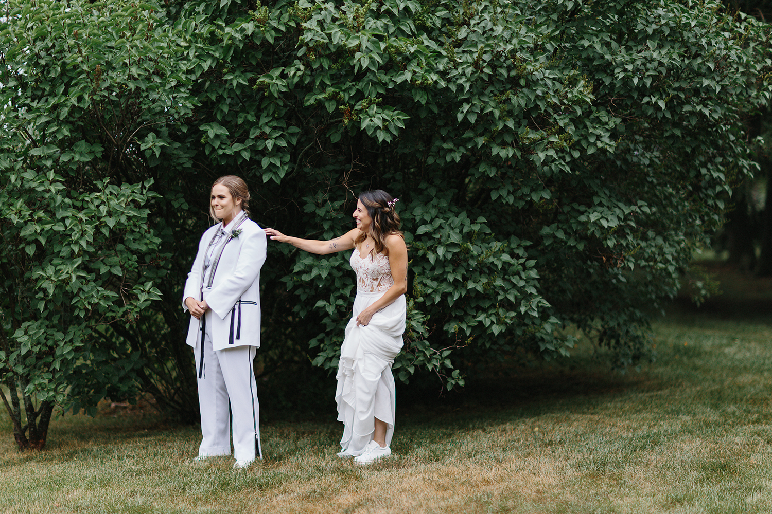 cambium-farms-wedding-toronto-wedding-photographer-ryanne-hollies-photography-gay-wedding-farm-wedding-inspiriration-candid-documetary-tattooed-bride-portrait-first-look-waiting-anticipation-real-life.jpg