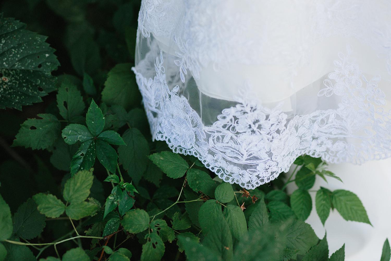 Graydon-Hall-Manor-Wedding-Toronto's-Best-Wedding-Photography-Ryanne-Hollies-Intimate-Small-Modern-Colourful-Wedding-Details-flowers.jpg
