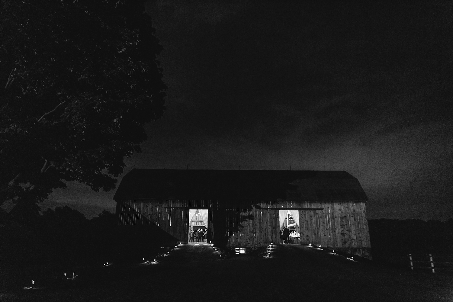 Candid-Toronto-Wedding-Photographers-Photojournalistic-Wedding-Photography-in-Toronto-Ryanne-Hollies-bradford-barn-best-dancing-photos-best-toronto-area-barn-venue-photo-of-barn-at-night.jpg