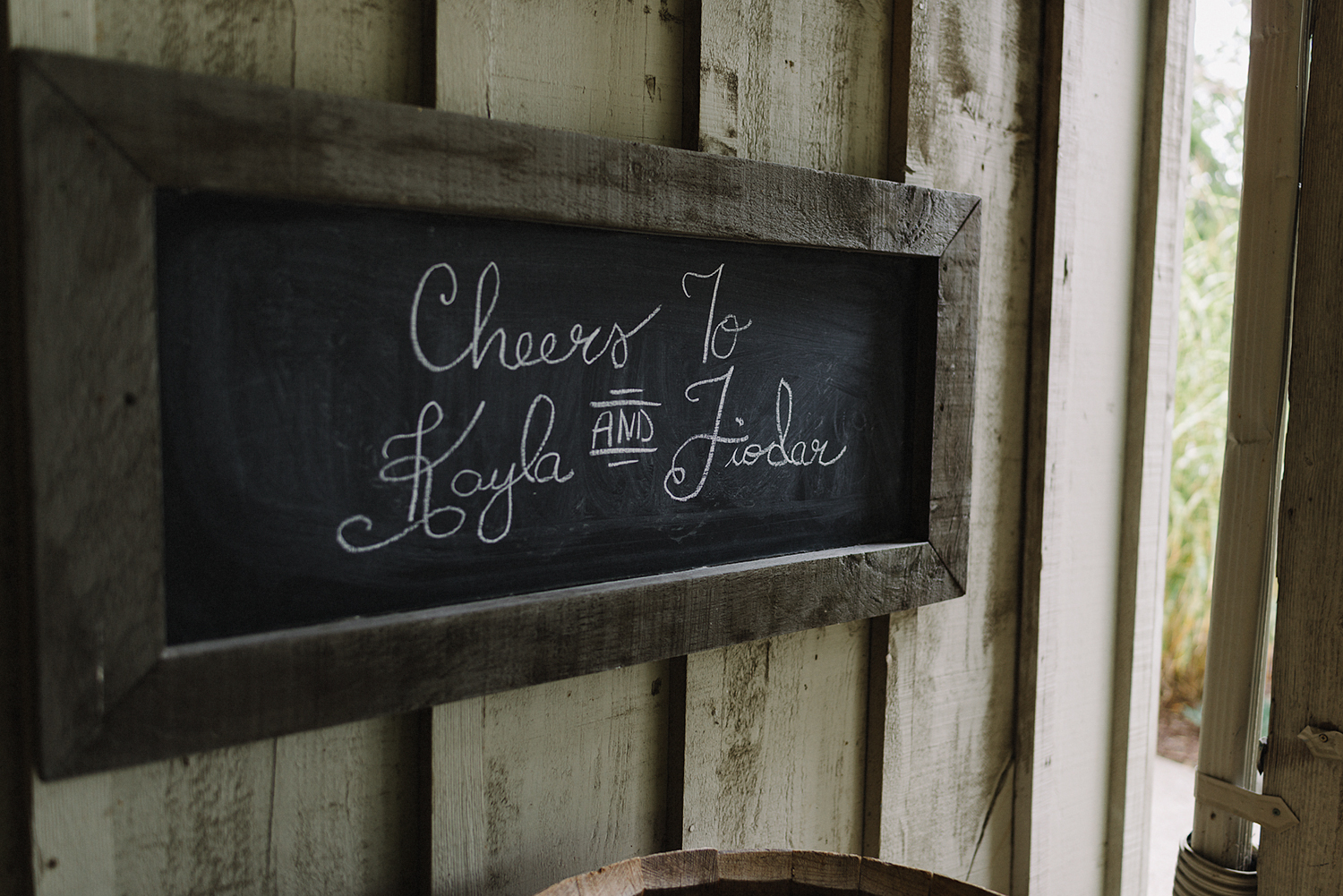bellamere-winery-cottage-details-rustic-chalk-sign-best-torontos-wedding-photographers-candid-documentary-style-photography-london-ontario-winery-wedding-inspiration.jpg