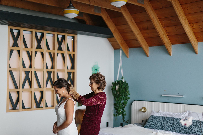 Bride-preparing-for-ceremony-At-Egaridge-Resort-Venue-Muskoka-Ontario.jpg