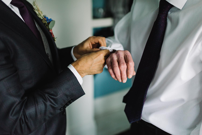 Bride-reading-letter-from-groom-At-Egaridge-Resort-Venue-Muskoka-Ontario.jpg