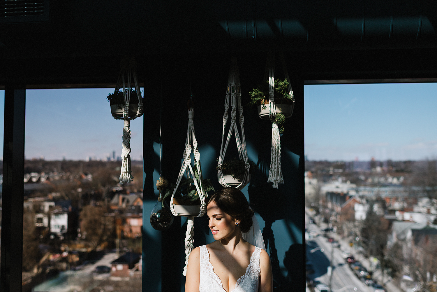 39-broadview-hotel-real-wedding-in-downtown-toronto-best-venues-broadview-hotel-wedding-photos-analog-wedding-photography-36.jpg