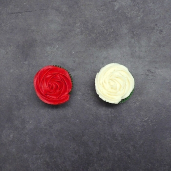 Cupcake-Bouquet-Red-and-White-Roses.jpg