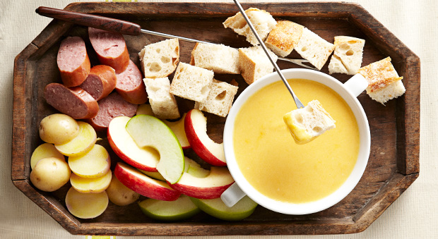 54fe6a1d41e7e-ghk-cheddar-beer-fondue-orig-master-1.jpg