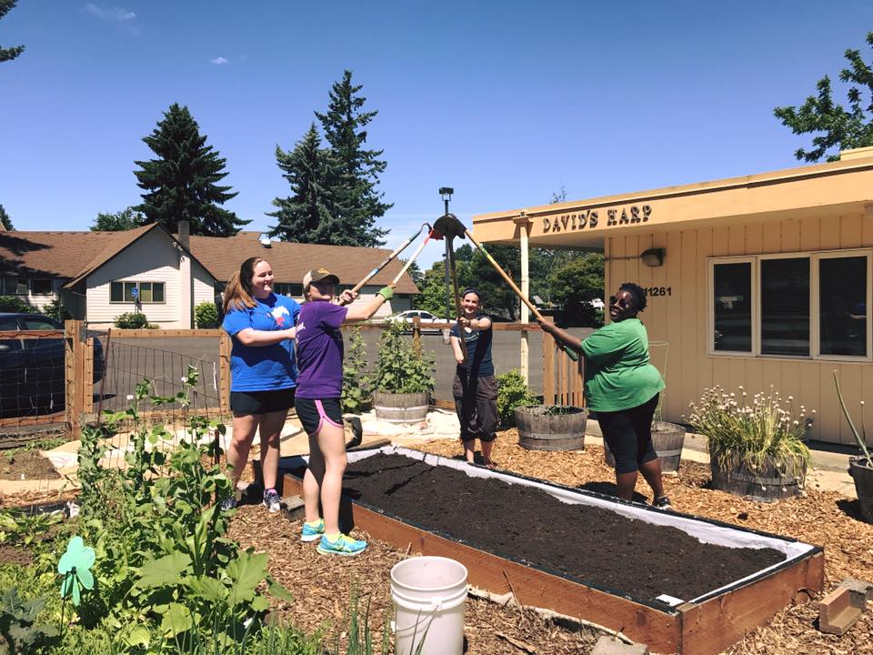 QuadW-Portland-interns-plant-grow-urban-garden