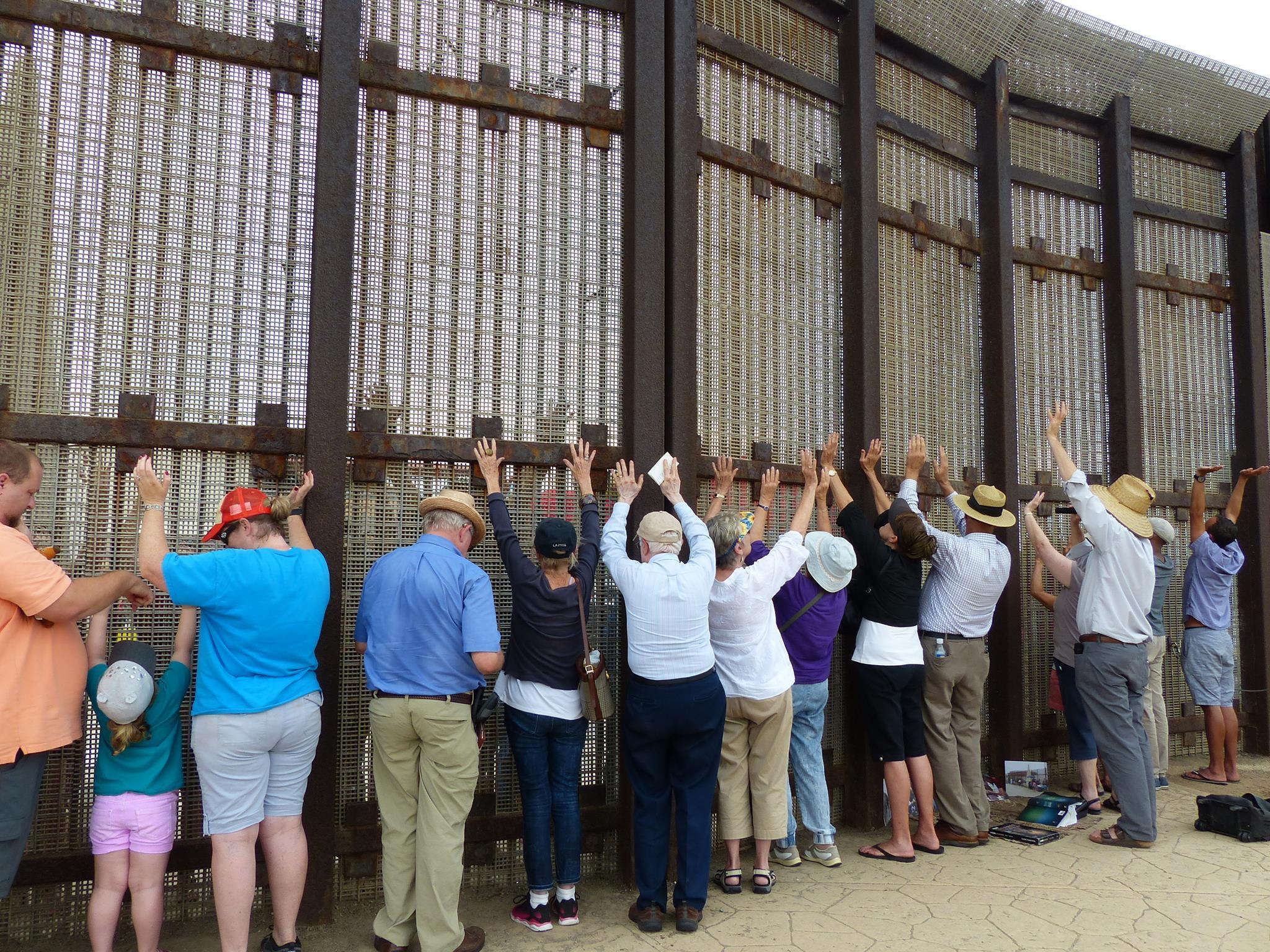 praying-worship-border-mission-ministry