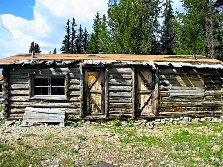 Simpson Lake Lodge