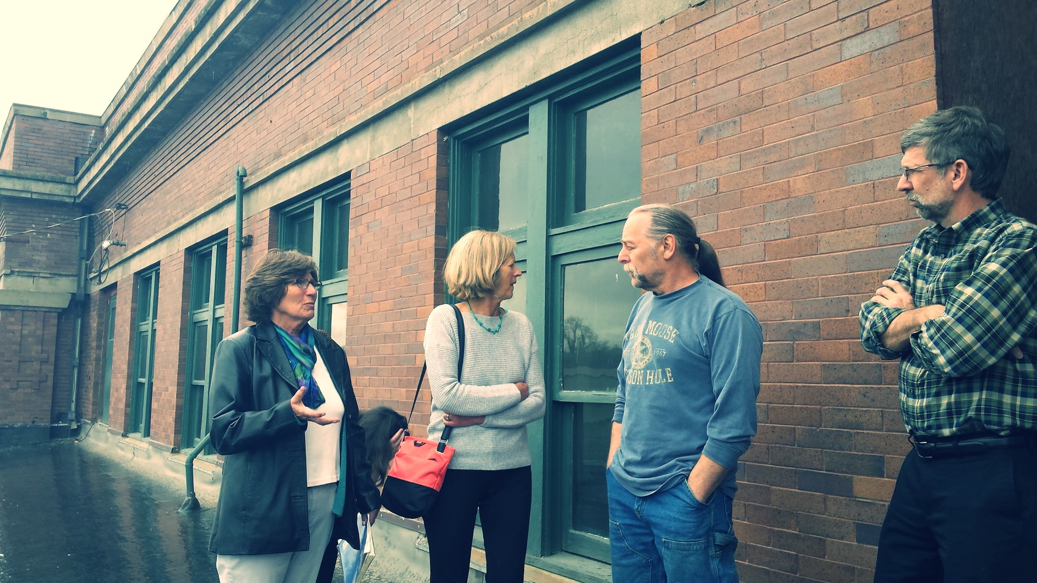 AHW board member Mary Humstone talks with participants at the  This Place Matters event in Sheridan, Wyoming.