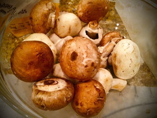 ahh mushrooms, easily one of my favorite foods. any excuse to incorporate these i take it! also a great source of vitamin d.
