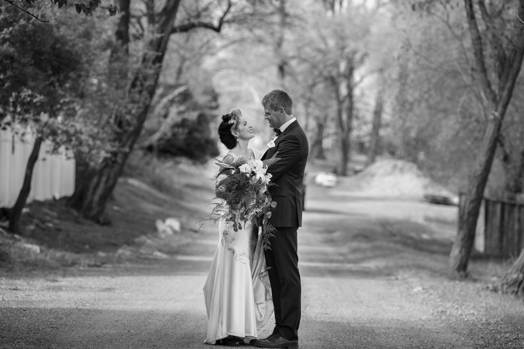 Maite Iribarren-Gorrindo of Ahizpak marries Mr. Mark van Gulik!
