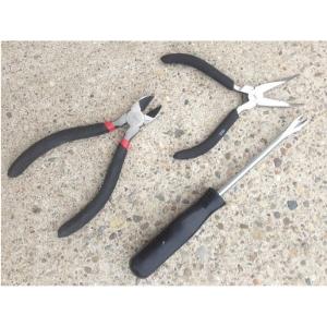 clogging-shoe-repair-tools.jpg