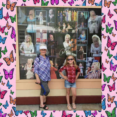 Dollywood-picture-wall.png