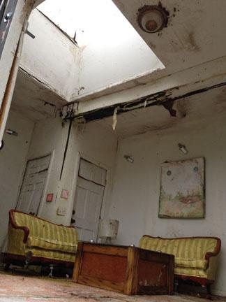 Living Room_29.jpg