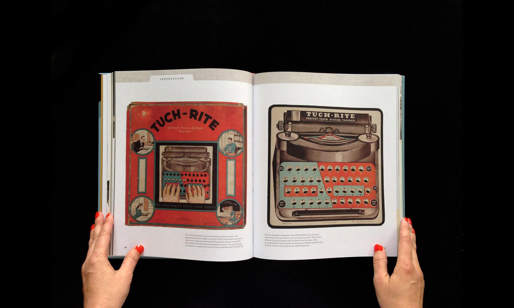 closeup-gallery-typewriterbook-017.jpg