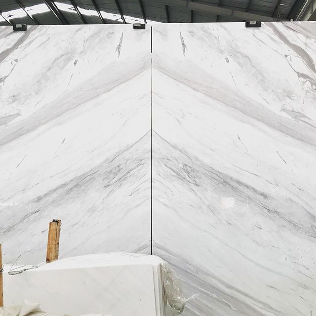 Mark is like a child on Christmas Eve tonight - we've got word that our container full of this stunning Volakis Dolomite has arrived in Port Botany ready to be unpacked!  Have a little scroll of a few videos we took before shipping of the flawless book match we will be creating with these slabs!  #sydneystone #australianstone #import #marble #interiors #sydneylocal #australianmade #australiandesign #luxury #architecture #stonemason #stonemasonry #artisan #kitchen #northshore #sydneynorthshore #naturalstone