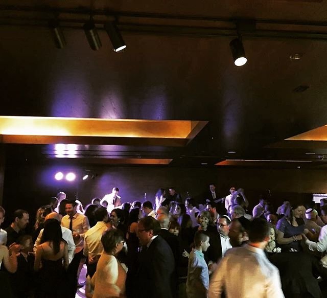 Dance floor vibes on Sunday 💃💃 Congrats Justin & Catha! Thanks to @events_to_a_t for the collab X