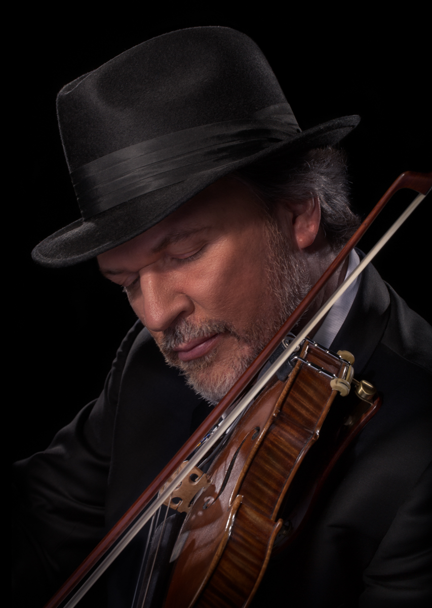 """As I began performing regularly with the O'Connor Band, we found ourselves in about every performance environment and climate possible. It became obvious that I needed to upgrade my old cake of rosin."" -  MARK O'CONNOR, GRAMMY AWARD WINNING VIOLINIST & FOLK FIDDLER   www.markoconnor.com"