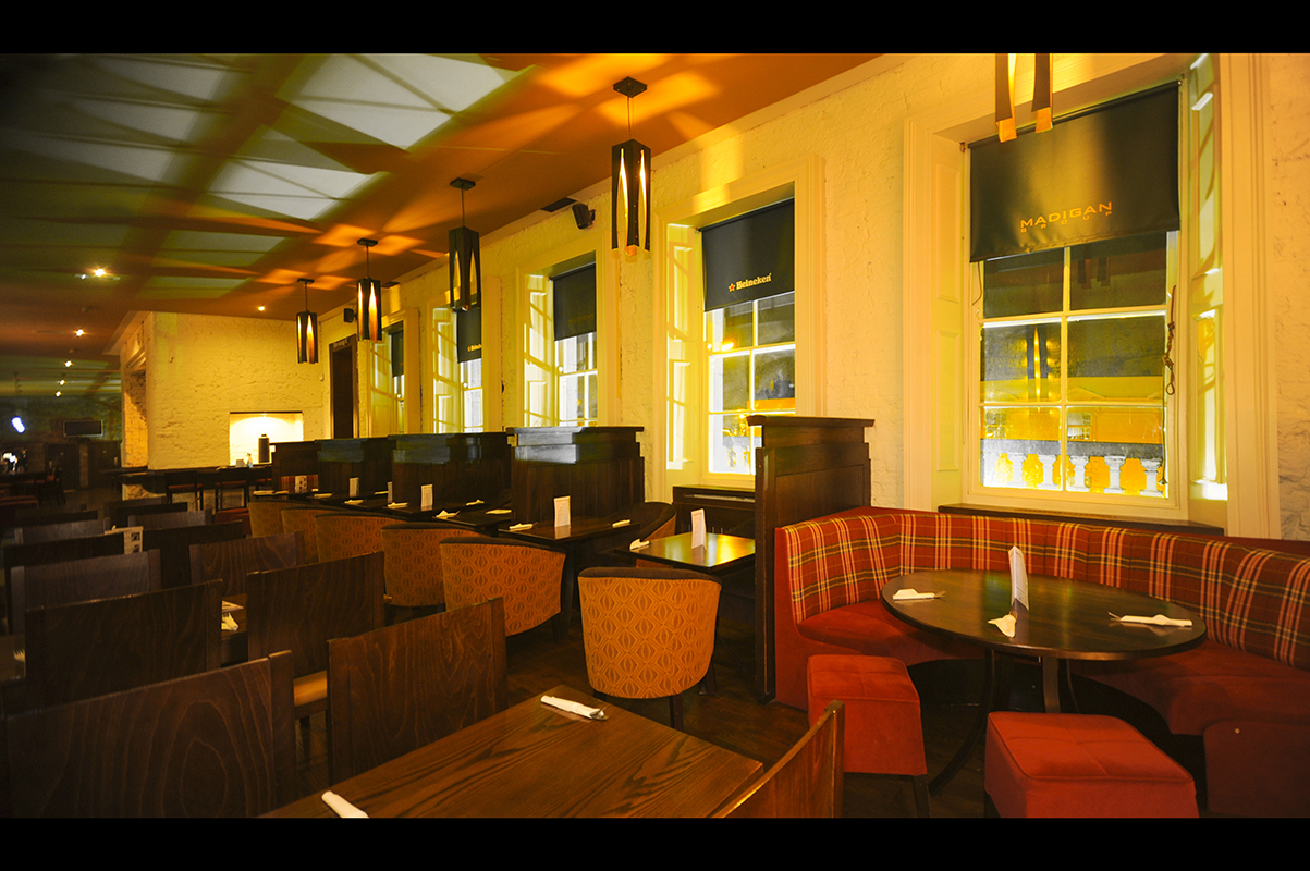 9 Madigans Connolly Station (Carvery Lounge) ©2015 Mick Langan 002.jpg