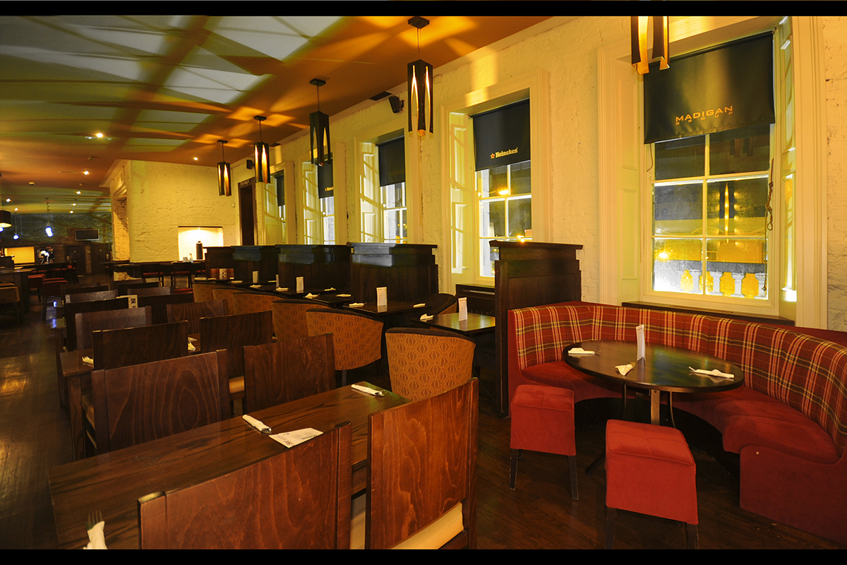 9 Madigans Connolly Station (Carvery Lounge) ©2015 Mick Langan 001.jpg