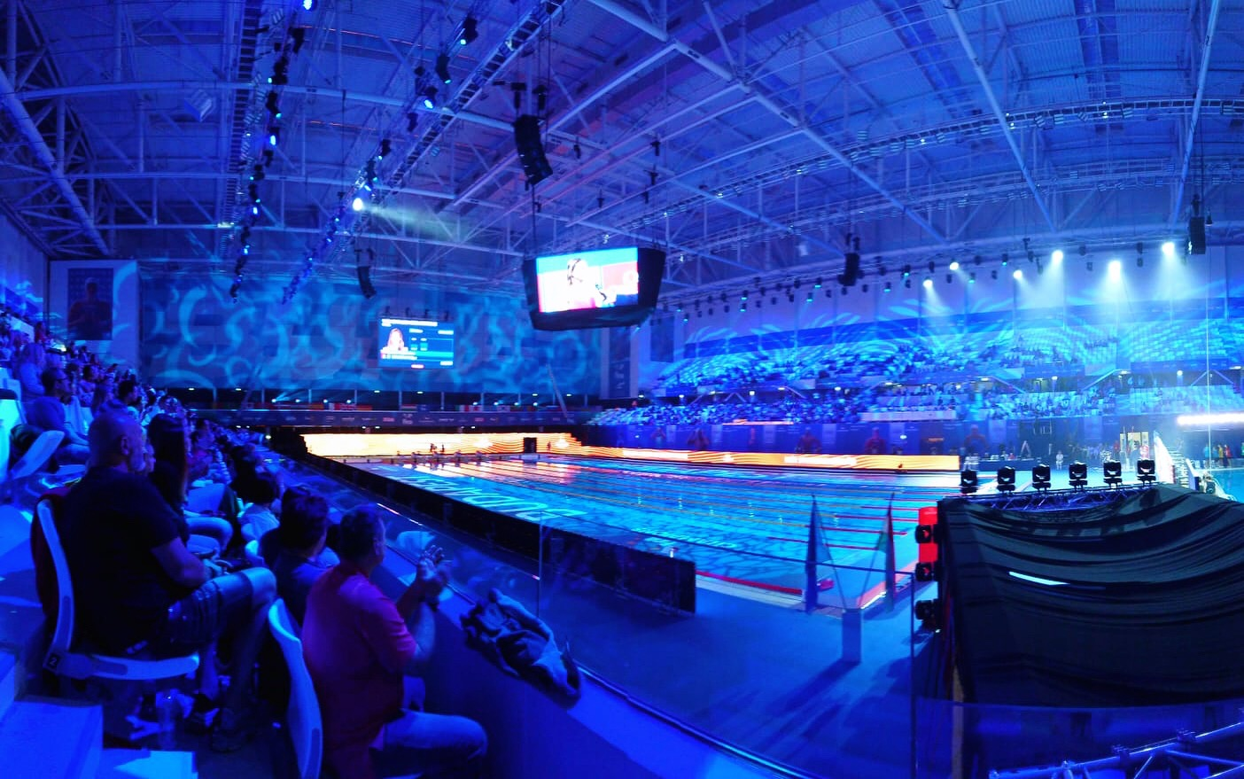 Die Atmosphäre in der Duna Arena.