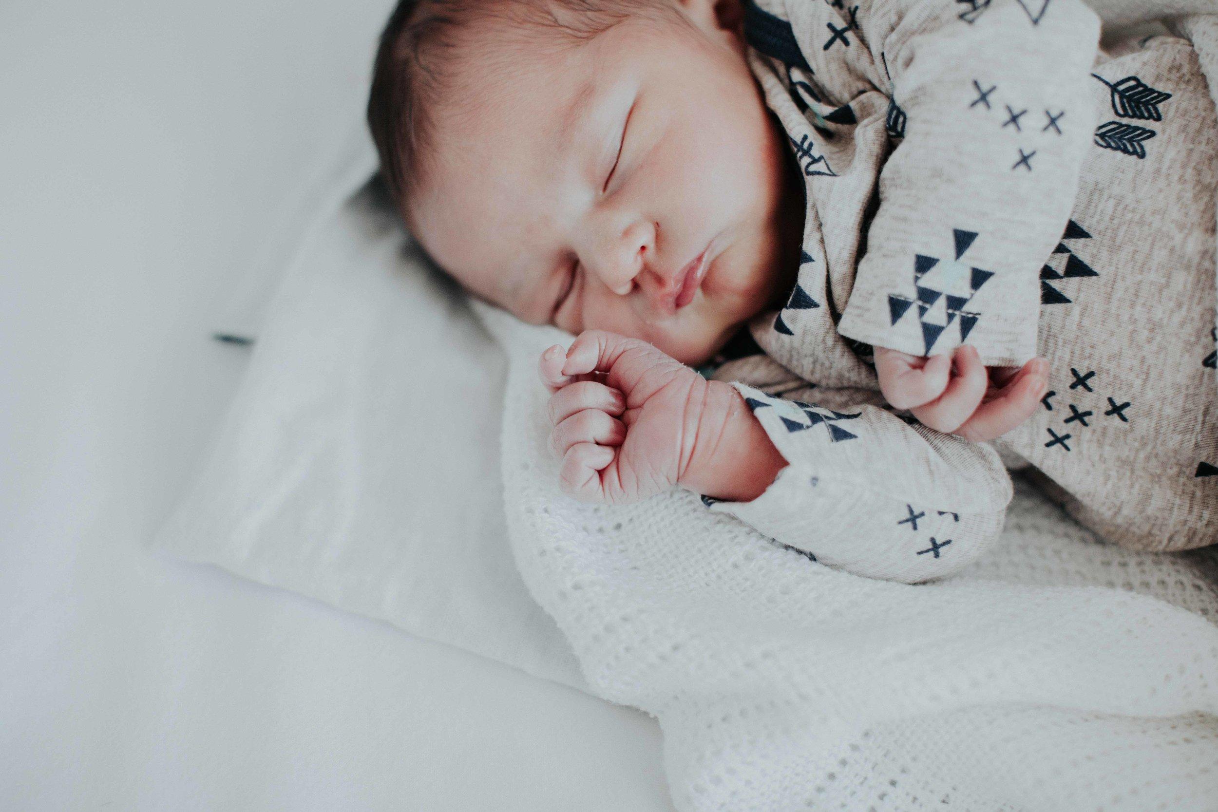 Kristi Smith Photography - Newborn Shoot - Glenn & Kirsten 7.jpg