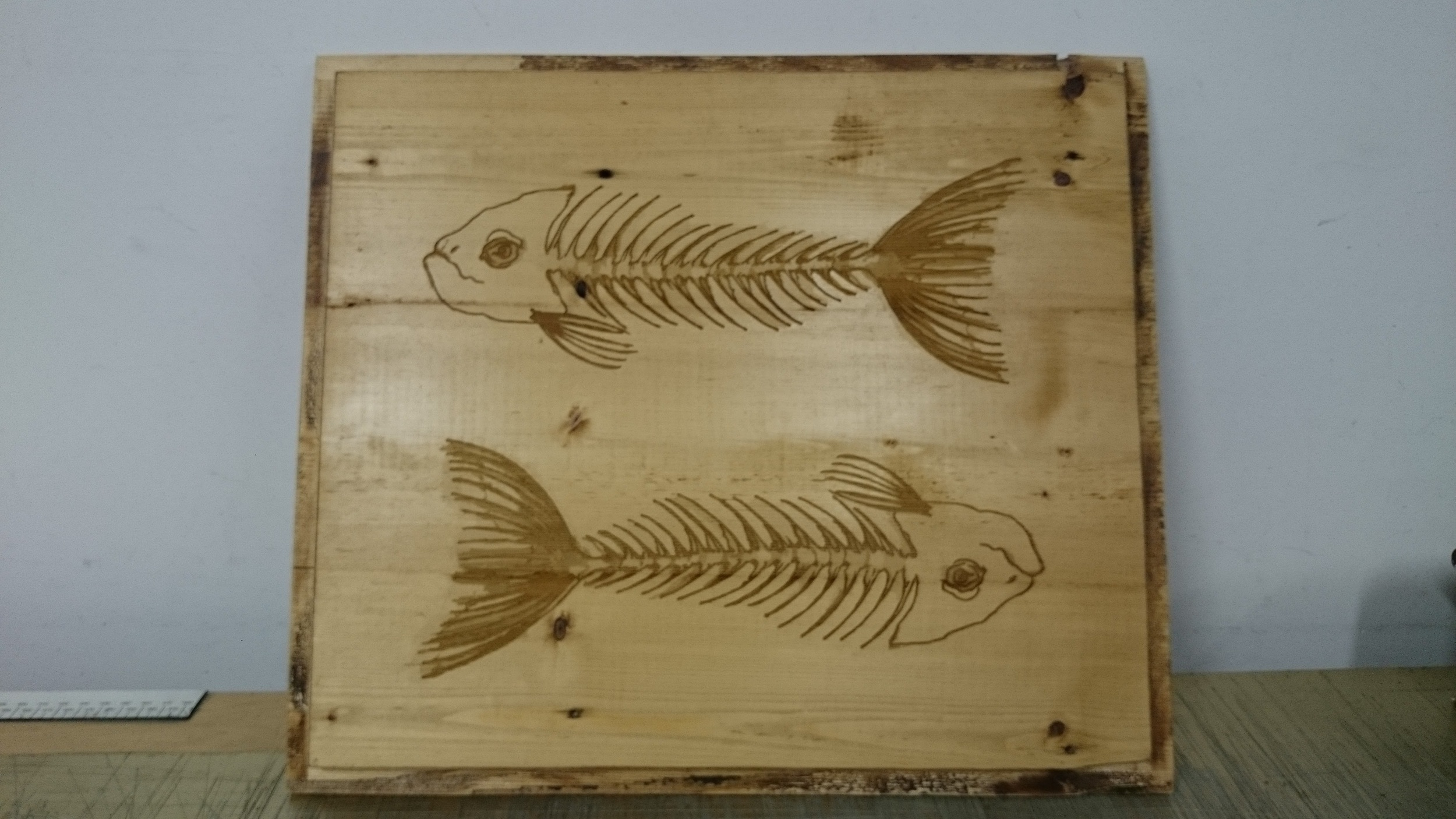 Plaque de bois décorative