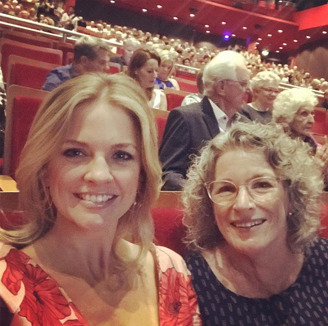 Gold Coast ladies night out about to witness the sensational Shelly Brown support Dionne Warwick. #twigbirdproductions #kingarts
