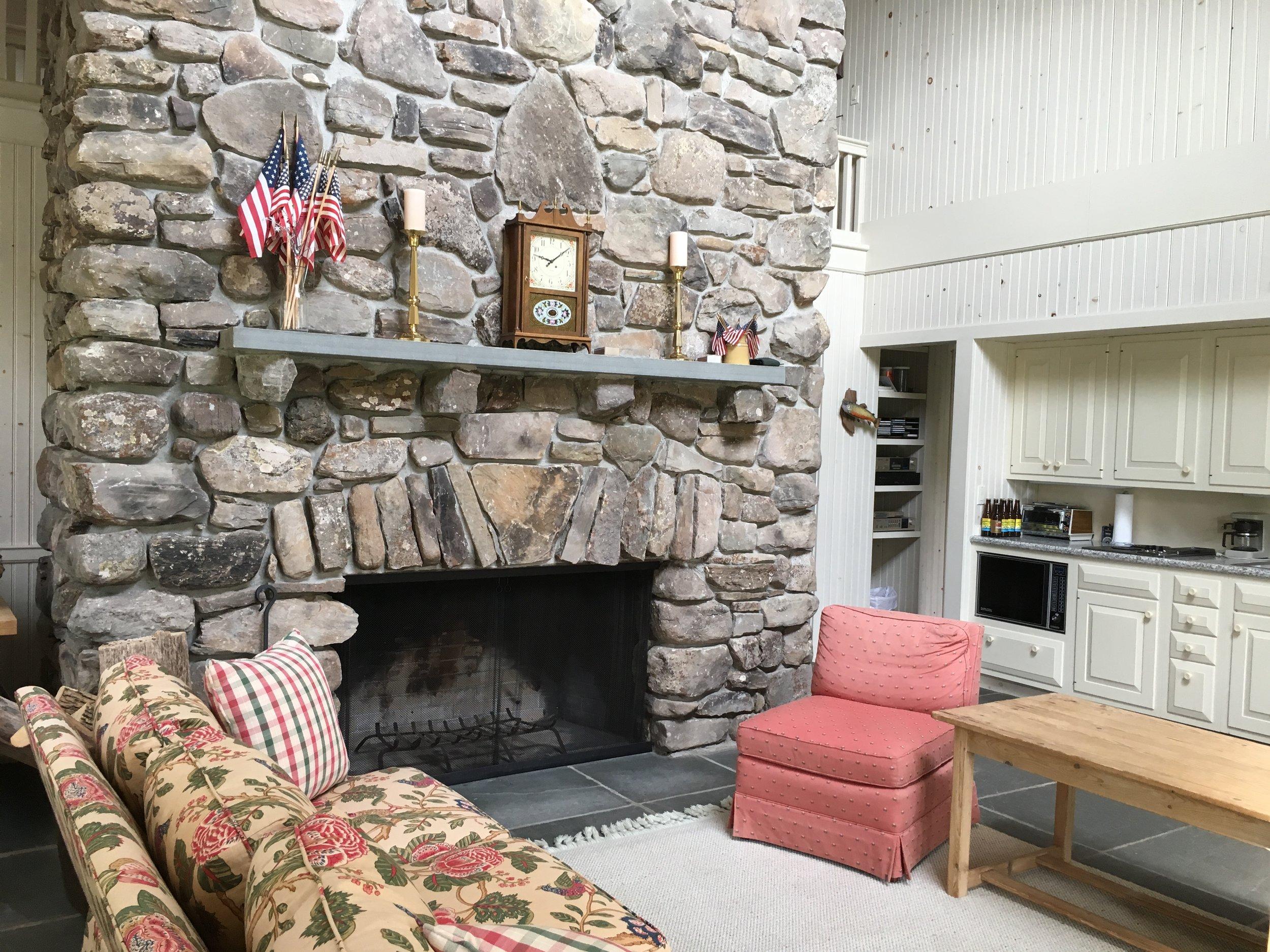 La Anna - Fireplace