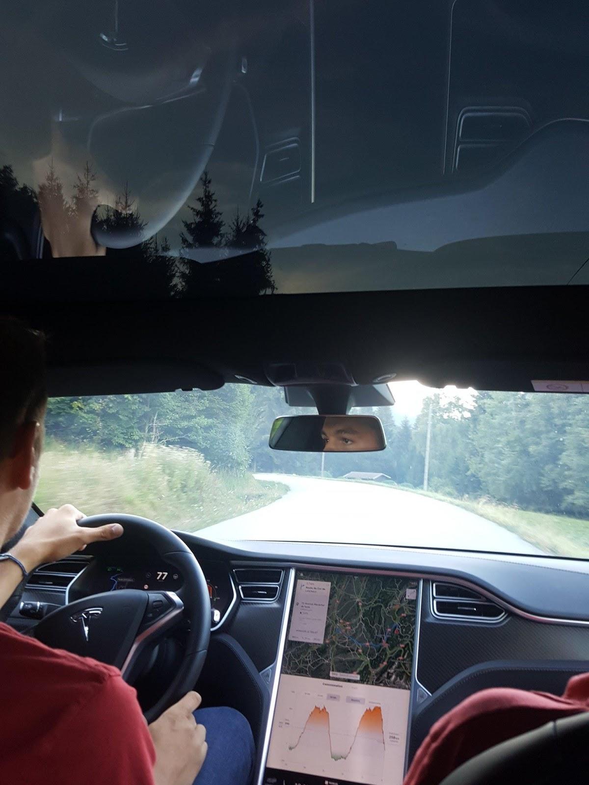 Cockpit_Tesla_Model_S_The_Good_Blog_The_Good_Car.jpg