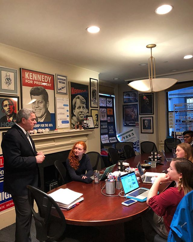 We always love having our favorite Everett Rep. Joe Mcgonagle in the lab! Keeping us laughing on this rainy Friday! Thanks for the pizza and PLEASE come back soon!💚💚💚#MApoli