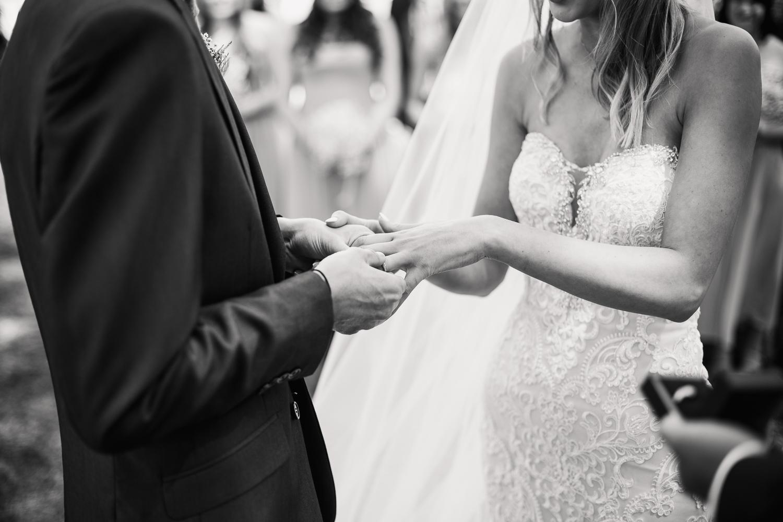 Heart_Shaped_Stone_Wedding_Photography-18.jpg