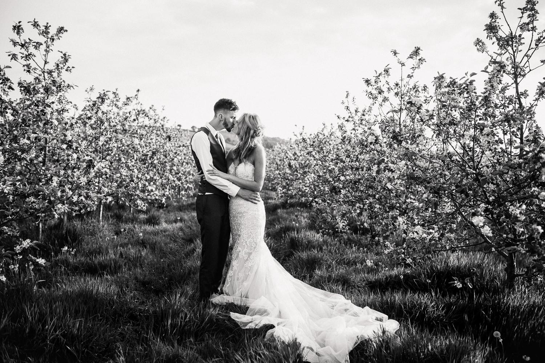 Heart_Shaped_Stone_Wedding_Photography-64.jpg