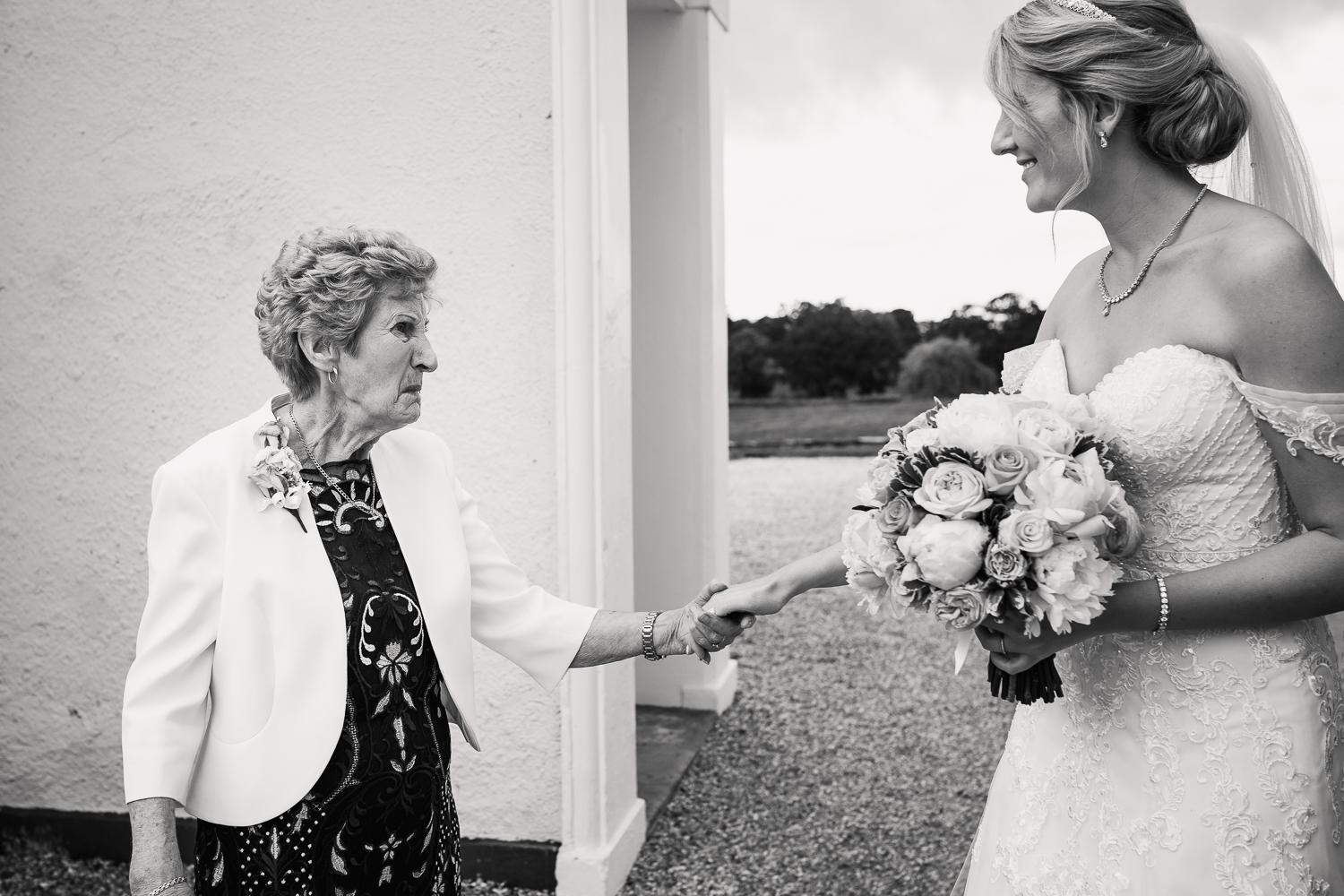 NATURAL_WEDDING_PHOTOGRAPHY_KATHRYN_CALRKE_MCLEOD-58.jpg