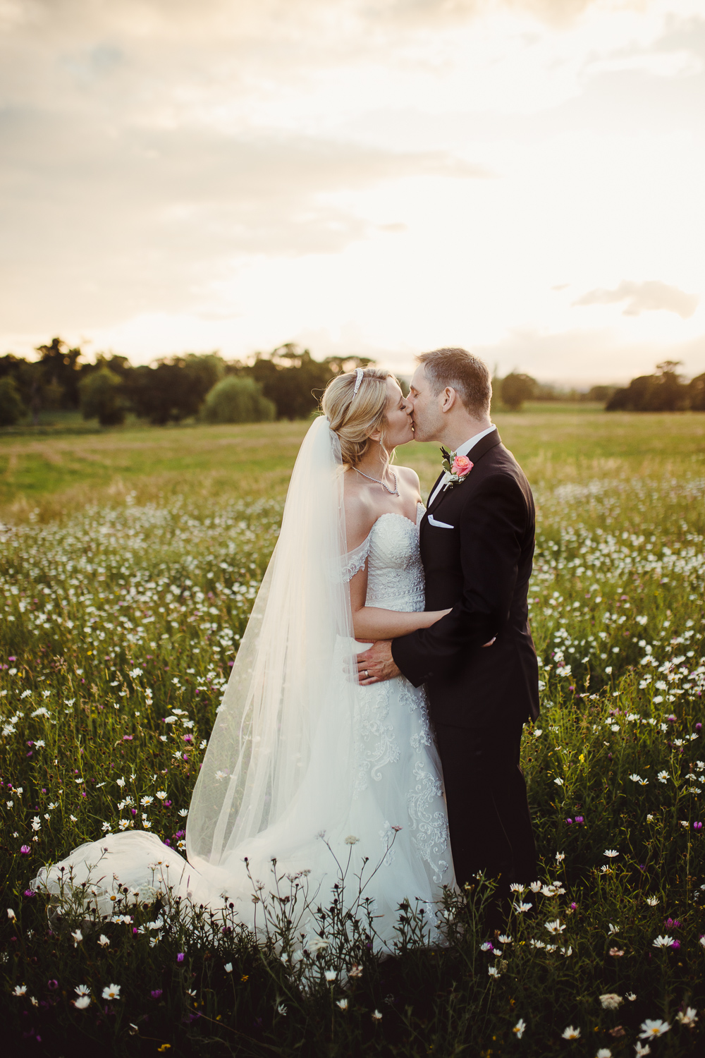 NATURAL_WEDDING_PHOTOGRAPHY_KATHRYN_CALRKE_MCLEOD-93.jpg